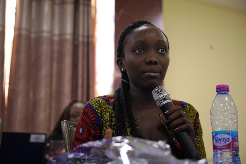 Jainaba Sonku,  Programme Presenter for QTV, Gambia, speaking at the ECOWAS workshop (photo: Duncan Lukoye- DIRAJ Multimedia Centre)
